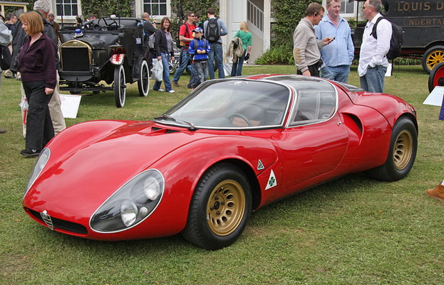 800px-Alfa_Romeo_Tipo_33_Stradale_Front