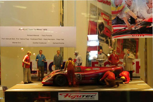 Figutec Figurenset Porsche Team Le Mans 1970 in 1 zu 18_PH120201_0362